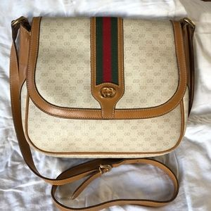 AuthenticVintage GG  Canvas/Leather Crossbody Bag